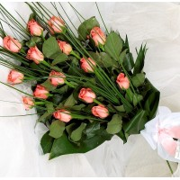 Bouquet of 15 light pink long stem roses