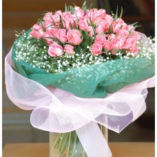 Round bouquet with 49 pink roses
