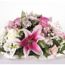 Ροζ lilies και τριαντάφυλλα