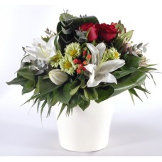 Oriental lilies, roses and hypericum